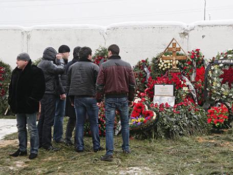 Могила «криминального авторитета» Аслана Усояна на Хованском кладбище. Фото: РИА Новости