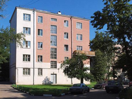 Дом на Большой Почтовой улице в посёлке «Будёновский». Фото: wikipedia.org