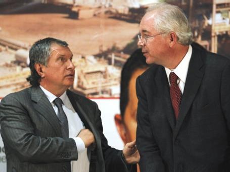 Президент «Роснефти» Игорь Сечин и министр энергетики Венесуэлы Рафаэль Рамирес. Фото: Reuters