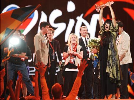 Победитель конкурса песни «Евровидение 2012» Лорин радуется победе. Фото: Reuters