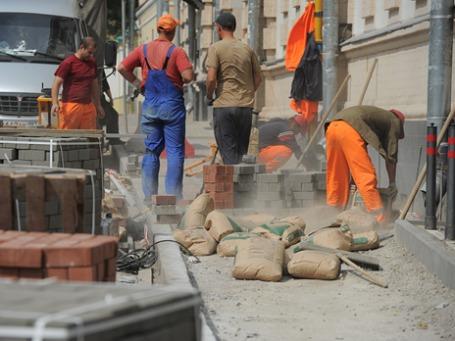 Рабочие мигранты в Москве. Фото: Григорий Собченко/BFM.ru
