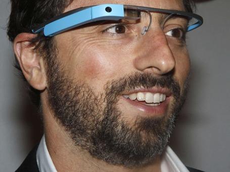 Основатель Google Сергей Брин в «очках дополненной реальности» . Фото: Reuters