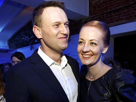 Блогер и оппозиционер Алексей Навальный с супругой Юлией в «Гоголь-Центре». Фото: РИА Новости
