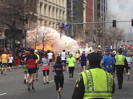 Двойной взрыв на Бостонском марафоне. Фото: Reuters