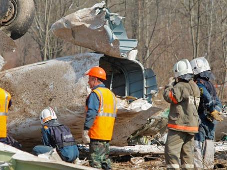 На месте авиакатастрофы под Смоленском. Фото: РИА Новости