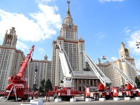 Комплексные учения по ликвидации последствий крупномасштабных чрезвычайных ситуаций и пожаров. Фото: mchs.gov.ru