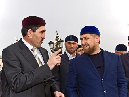 Президент Ингушетии Юнус-Бек Евкуров и глава  Чечни Рамзан Кадыров (слева направо) во время встречи в резиденции главы ЧР. Съемка 2008 года. Фото: ИТАР-ТАСС