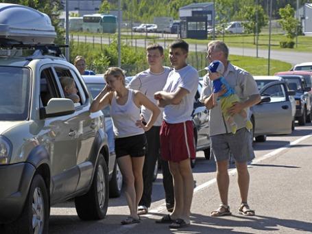 Пробки на выезде из России. Фото: ИТАР-ТАСС