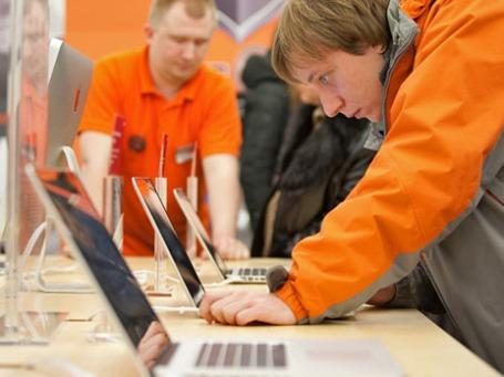 Работа салона компьютерно техники. Фото: РИА Новости