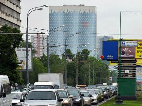 БЦ располагается на первой линии Профсоюзной улицы. Фото: Михаил Сметанин/BFM.ru