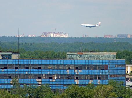 Вид со стройки бизнес-центра Mebe Group. Фото: Михаил Сметанин/BFM.ru
