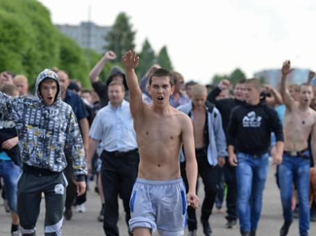Народный сход против этнопреступности в Удомле. Фото: РИА Новости