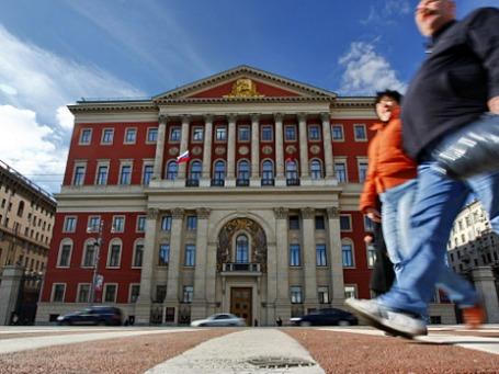 За право быть хозяином здания на Тверской, 13 намерены бороться рокер, поэтесса, блогер и другие. Фото: РИА Новости