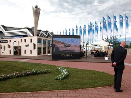 На территории выставочного центра «Ленэкспо», где проходит Петербургский международный экономический форум. Фото: РИА Новости