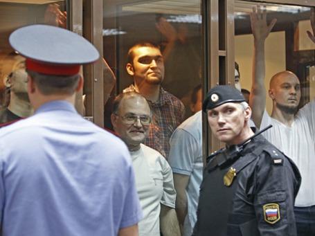Обвиняемые по делу о массовых беспорядках на Болотной площади 6 мая 2012 года в зале судебного заседания. Фото: Reuters