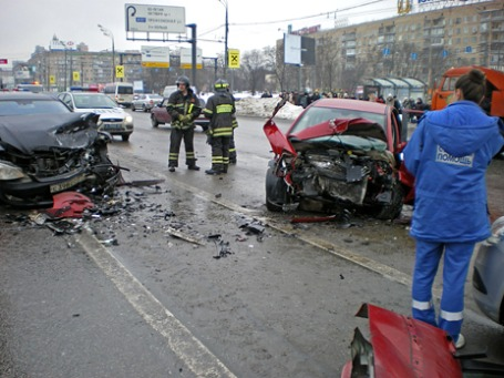 ДТП на Ленинском проспекте с участием машины вице-президента ЛУКОЙЛа Анатолия Баркова, которое произошло 25 февраля 2010 года. Фото из материалов дела