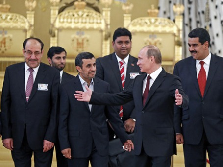 Справа налево: президент Венесуэлы Николас Мадуро, Владимир Путин, президент Ирана Махмуд Ахмадинежад, премьер-министр Ирака Нури аль-Малики на газовом саммите в Кремле. Фото: Reuters