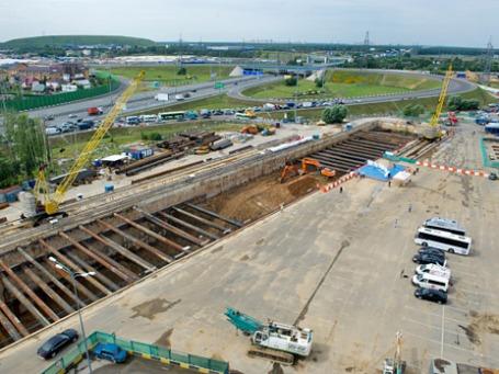 Строящаяся станция метро «Саларьево», расположенная за МКАД. Фото: РИА Новости
