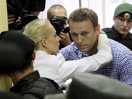 Оппозиционер Алексей Навальный признан Ленинским судом Кирова виновным и приговорен к пяти годам лишения свободы с отбыванием наказания в колонии общего режима. Фото: Reuters