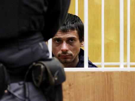 Сергей Помазун, задержанный по подозрению в убийстве шести человек, в Свердловском районном суде Белгорода. Фото: РИА Новости