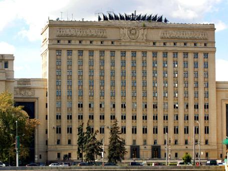 Здание Главкомата Сухопутных войск на Фрунзенской набережной. Фото: PhotoXPress