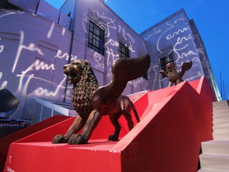 Символ фестиваля - крылатые львы. Фото: РИА Новости