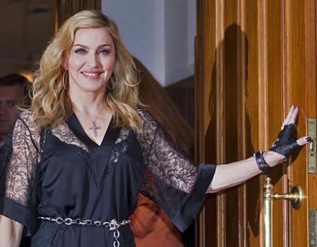 Певица и актриса Мадонна на открытии своего фитнес-клуба Hard Candy Fitness в Москве. Фото: РИА Новости
