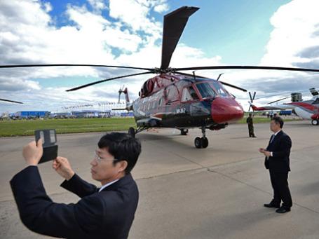 Вертолет Ми-38-2 на Международном авиационно-космическом салоне «МАКС-2013» в подмосковном Жуковском. Фото: РИА Новости
