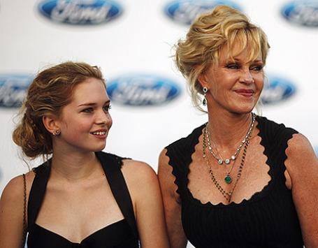 Актриса Мелани Гриффит с дочерью Стеллой. Фото: Reuters