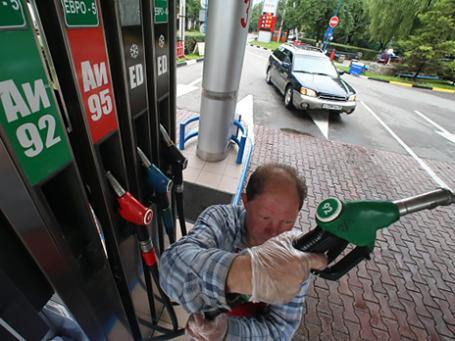 Работа автозаправочной станции . Фото: РИА Новости