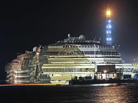 Лайнер Costa Concordia. Фото: Reuters