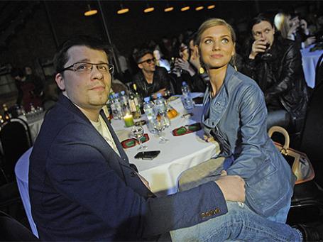Актеры Гарик Харламов (слева) и Кристина Асмус на вечеринке, посвященной вручению IX Российской народной кинопремии «Жорж». Фото: ИТАР-ТАСС
