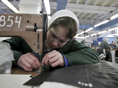 Заключенные в швейном цехе женской колонии общего режима. Фото: РИА Новости