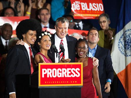 Билл де Блазио с семьей празднует победу на выборах мэра Нью-Йорка. Фото: Reuters