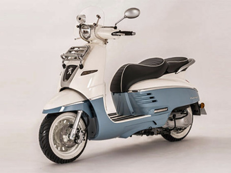 Ретро-скутер Джанго. Фото предоставлено пресс-службой