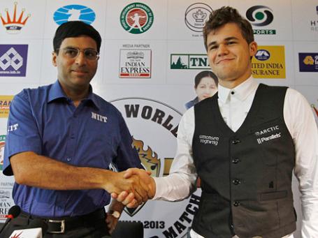 Шахматисты Вишванатан Ананд (Индия) и Магнус Карлсон (Норвегия). Фото: Reuters