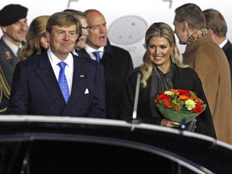 Король Нидерландов Виллем-Александр и королева Максима во время встречи в аэропорту «Внуково». Фото: Reuters