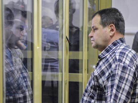 Сергей Кабалов, обвиняемый в покушении на угон самолета и избиении бортпроводника, во время рассмотрения уголовного дела в отношении него в Московском областном суде. Фото: РИА Новости