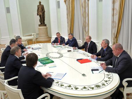 Президент России Владимир Путин на встрече с руководителями непарламентских партий в Кремле. Фото: РИА Новости