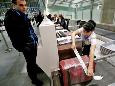 Зона досмотра багажа в новом пассажирском терминале аэропорта «Пулково» в Санкт-Петербурге. Фото: РИА Новости