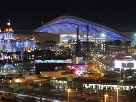 Вид на стадион Фишт в Олимпийском парке в Адлерском районе Сочи. Фото: Reuters