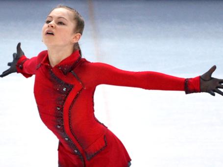 Юлия Липницкая (Россия) выступает в произвольной программе женского одиночного катания командных соревнований по фигурному катанию на XXII зимних Олимпийских играх в Сочи. Фото: РИА Новости