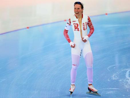 Ольга Граф (Россия) после финиша в забеге на 3000 метров в соревнованиях по конькобежному спорту среди женщин на XXII зимних Олимпийских играх в Сочи. Фото: РИА Новости