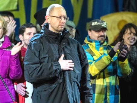 Лидер партии «Батькивщина» Арсений Яценюк во время выступления на площади Независимости в Киеве 26 февраля 2014 года. Фото: РИА Новости