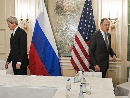 Госсекретарь США Джон Керри (слева) и глава российского МИДа Сергей Лавров. (справа) Фото: Reuters.