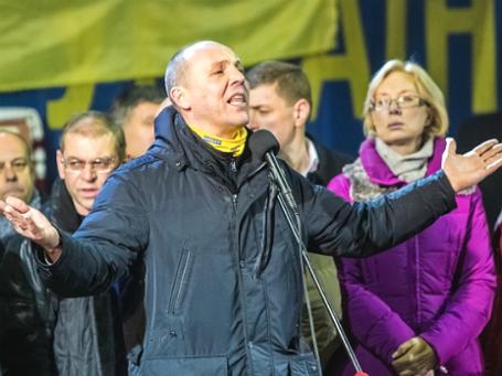 Андрей Парубий во время выступления на площади Независимости в Киеве. Фото: РИА Новости