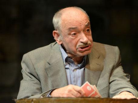 Валентин Гафт в спектале «Игра в джин». Фото: РИА Новости