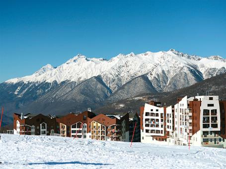 Вид на Главную горную Олимпийскую деревню в Сочи. Фото: РИА Новости