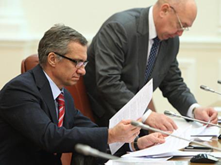 Министр финансов Украины Александр Шлапак во время заседания правительства. Фото: PhotoXPress