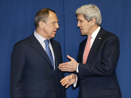 Министр иностранных дел Сергей Лавров (слева) и госсекретарь США Джон Керри. Фото: Reuters.